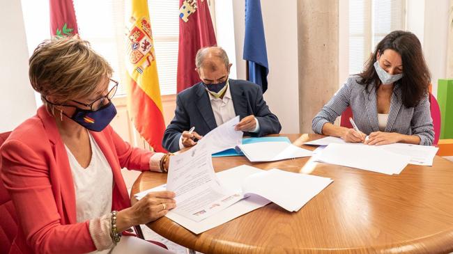 Ucomur y ADLE se unen para potenciar la economía social y el empleo en Cartagena