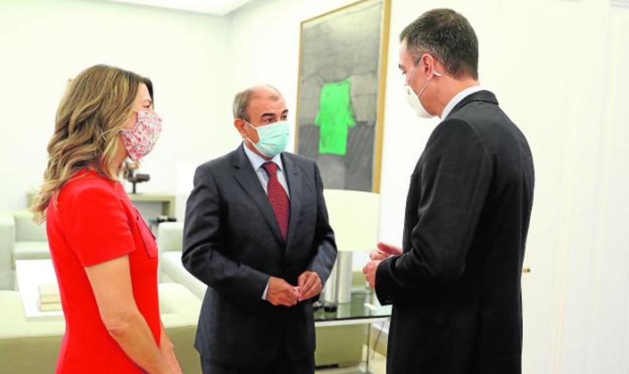 Reunión de Juan Antonio Pedreño con el presidente del Gobierno, Pedro Sánchez, y la ministra de Empleo, Yolanda Díaz. / MONCLOA