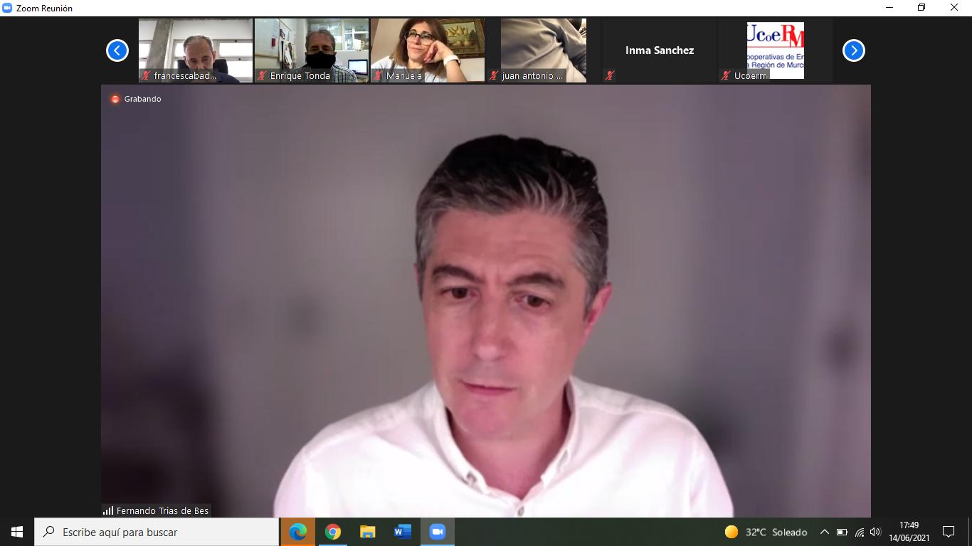 Ucomur habla de Liderazgo Participativo en un café cooperativo online con Fernando Trías de Bes