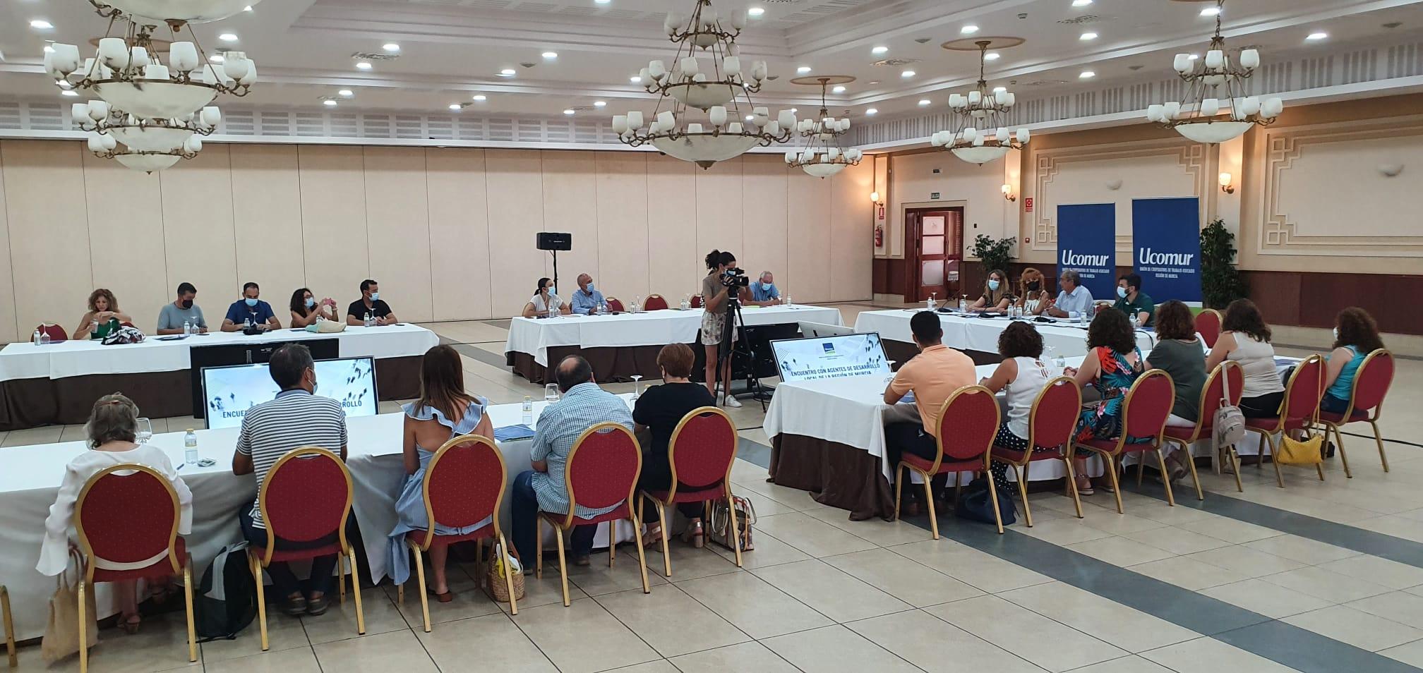 Reunión Ucomur con agentes desarrollo local